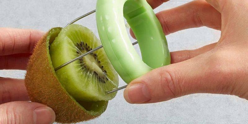 Come sbucciare facilmente il kiwi